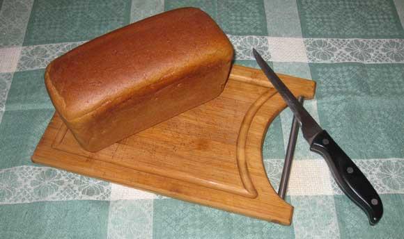 Кирпич ржаного хлеба на сухари