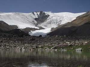 Монгун-Тайга. Горное озерцо.