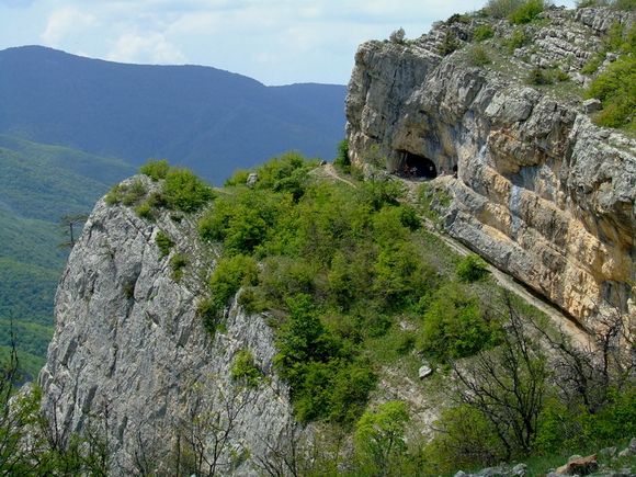 Большой каньон Крыма: Коровий грот