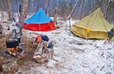 Зимняя палатка с печкой: особенности эксплуатации
