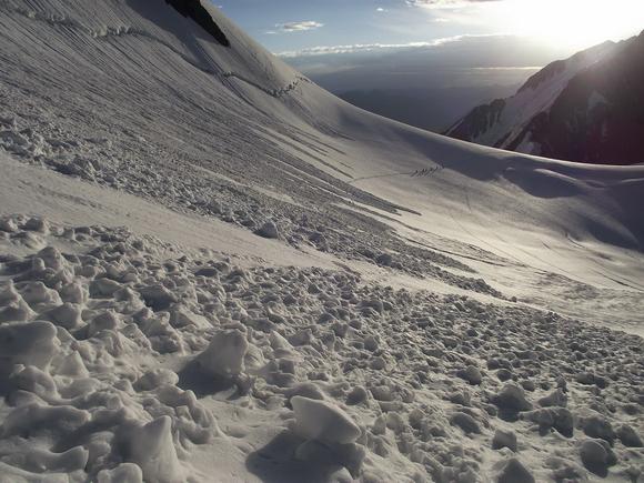 Виды снежны лавин, лавинный след от доски