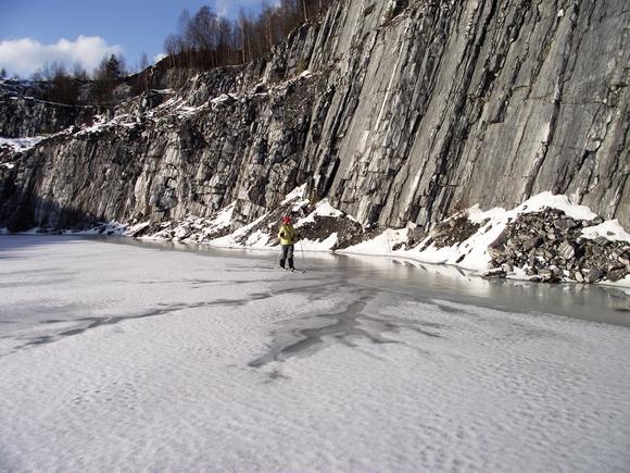 По льду мраморного каньона Рускеала