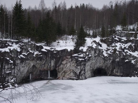 Рускеала мраморный каньон зимой