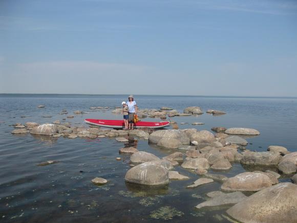 Каменистая отмель в Ладожском озере (Тайпаловский залив)