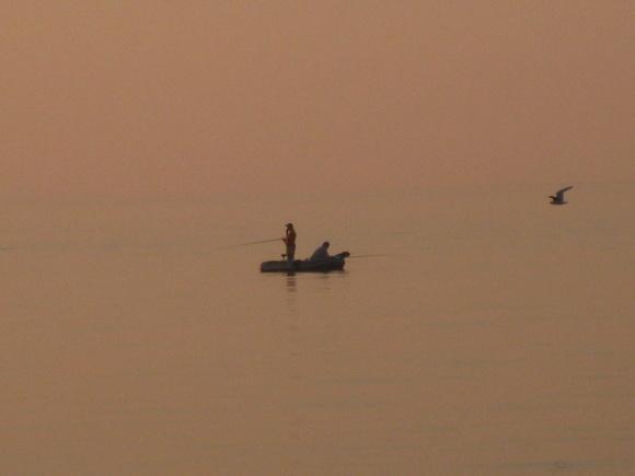 Рыбаки у острова Узкого на Ладоге
