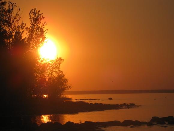 Закат на острове в Ладожском озере (о. Узкий)