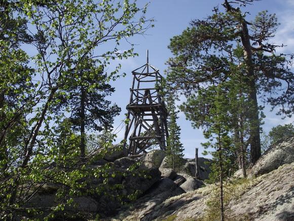 Вышка на вершине горы Сейдапахк