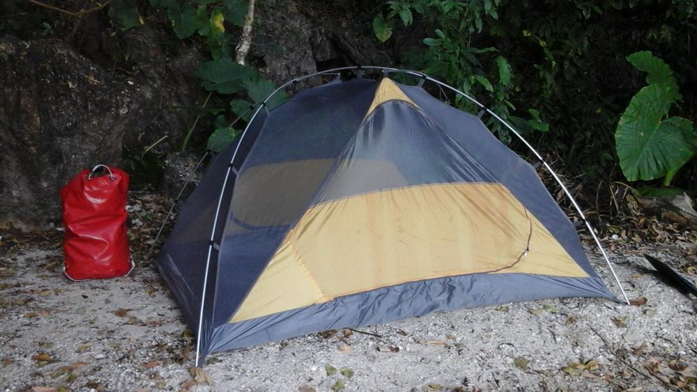Палатка это то, что что нужно взять с собой в поход по Тайланду