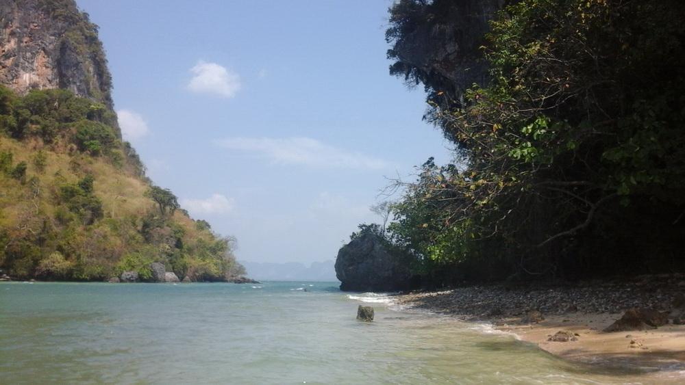 Сюда пляжников возят купаться с Ко Яо Ной
