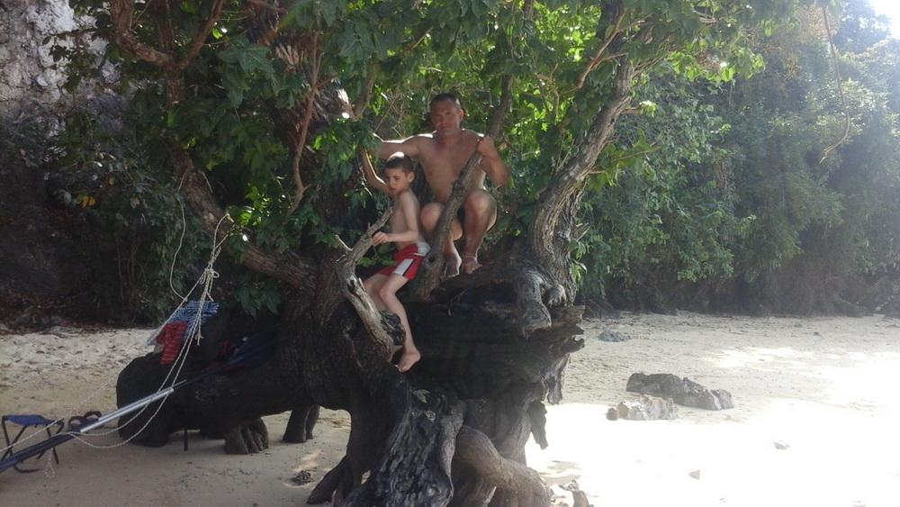 На пляжном острове рядом с островом Ко Яо Ной