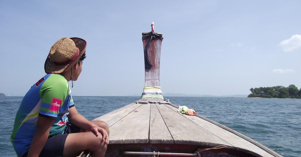 Заброска на лодке-длиннохвостке к началу маршрута по Пханг-Нга