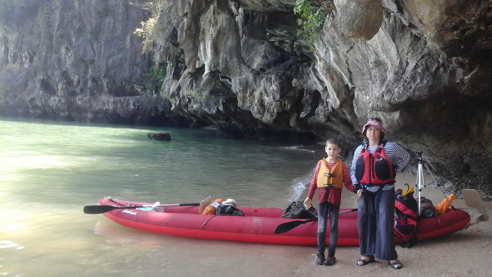 Смелые путешественники по заливу Пханг-Нга